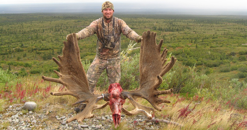 Ben Lindgren with his Alaska velvet bull moose