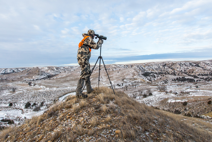 Glassing for mule deer in the cold