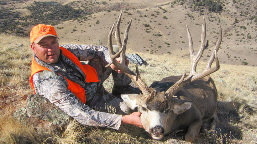 Front view of Bryant Johnson's mule deer buck