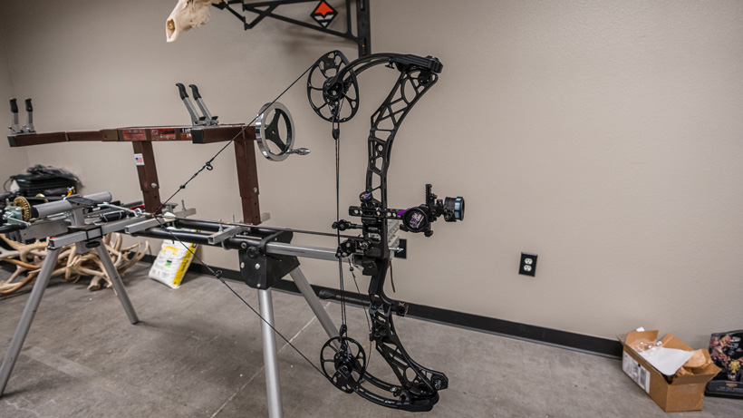 Checking bow cam timing on homemade draw board