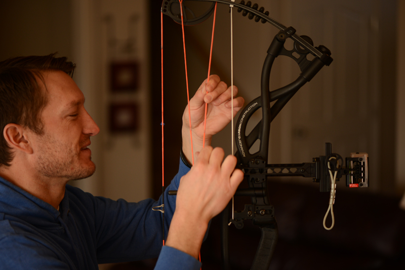 Checking strings and cables for wear