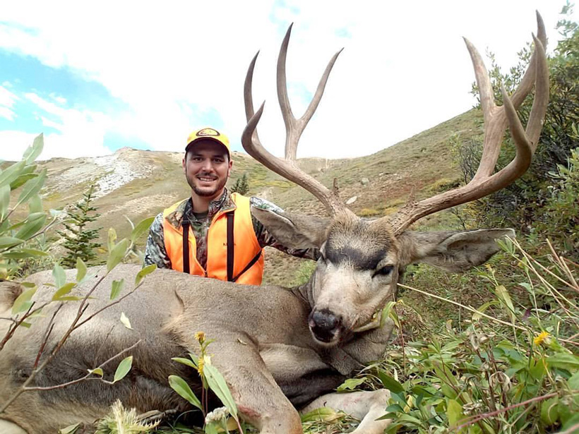 Dano with his Colorado muzzleloader mule deer