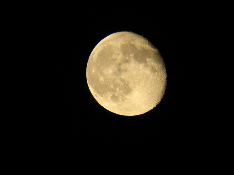 Full moon while elk hunting