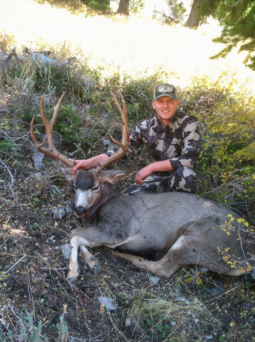 Hudson Hunter with his Utah muzzleloader mule deer straight on view