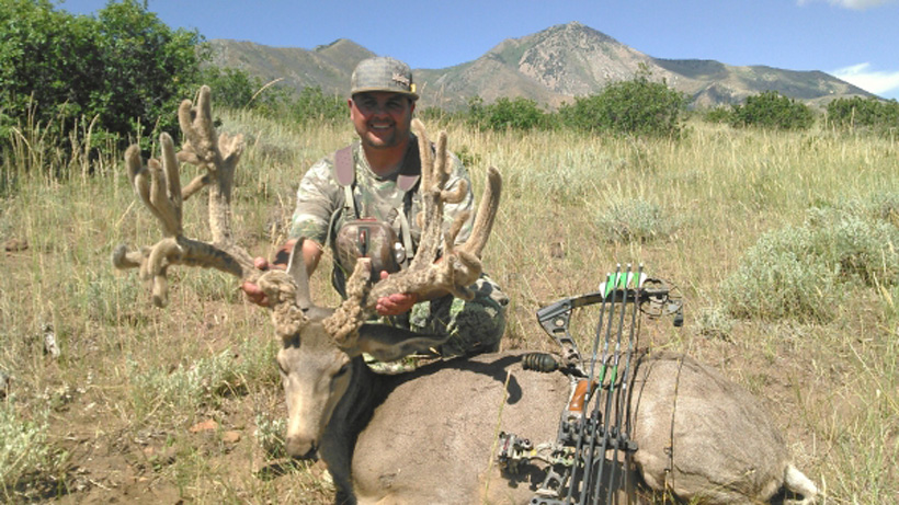 Jeff Cisneros velvet archery nontypical world record mule deer