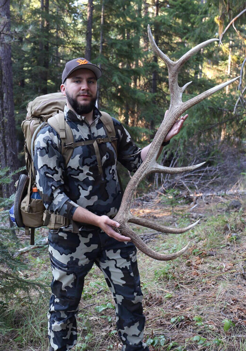 Jeff Roberts with a Washington bull elk shed