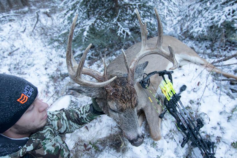 Jon Gabrio with his 2015 archery Washington whitetail buck close up