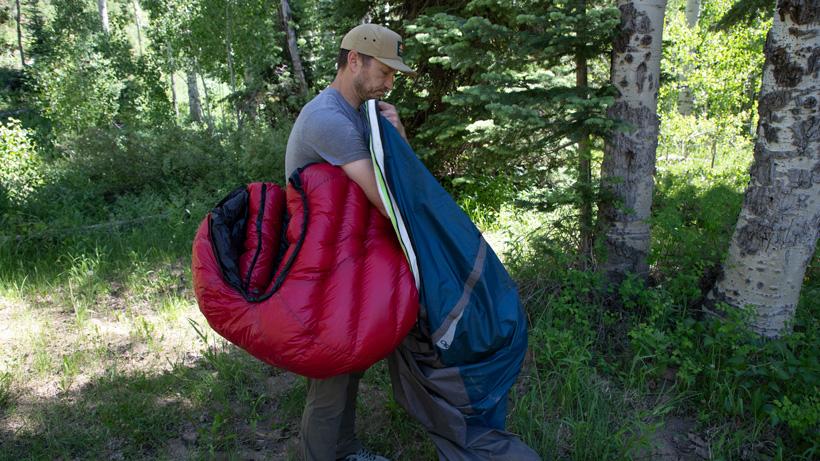 Keeping sleeping bag inside bivy sack