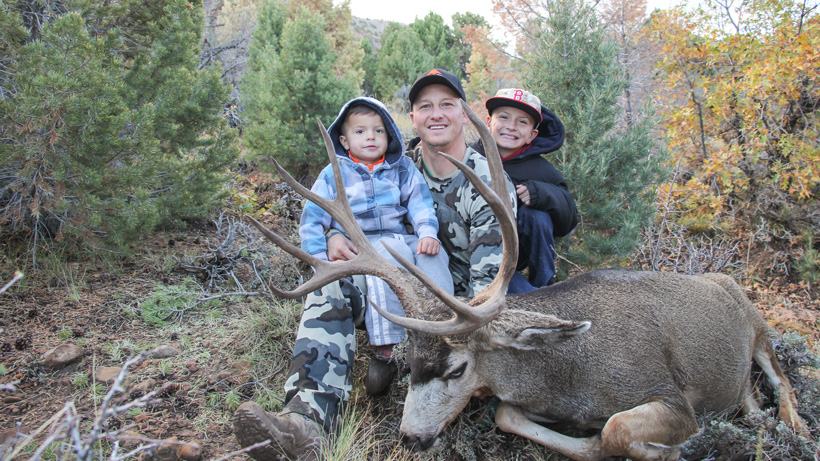 Kody Smiths 2015 Utah mule deer with his sons