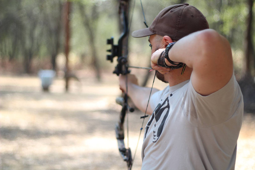 Luke Griffiths bowhunting practice at the range