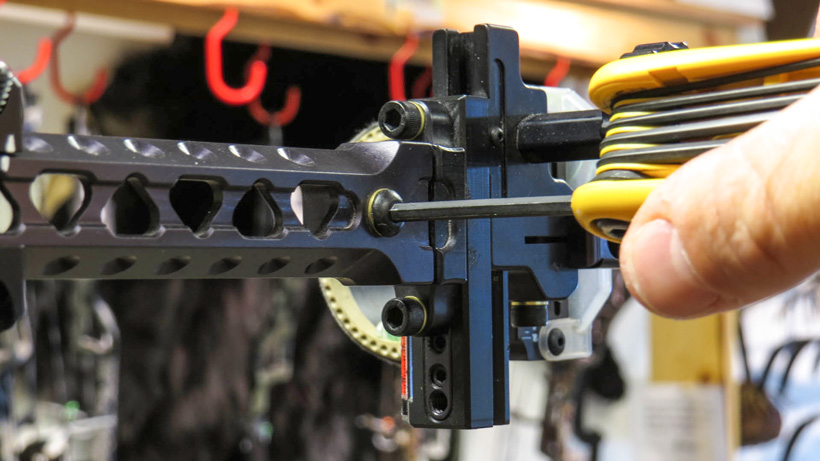 Making a third axis bow sight adjustment