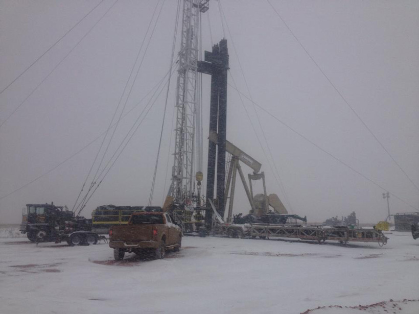 Oil rig working