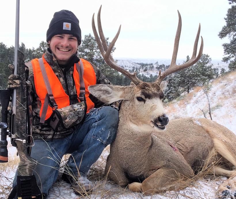 Quincy Ritter with his 2015 Montana mule deer buck