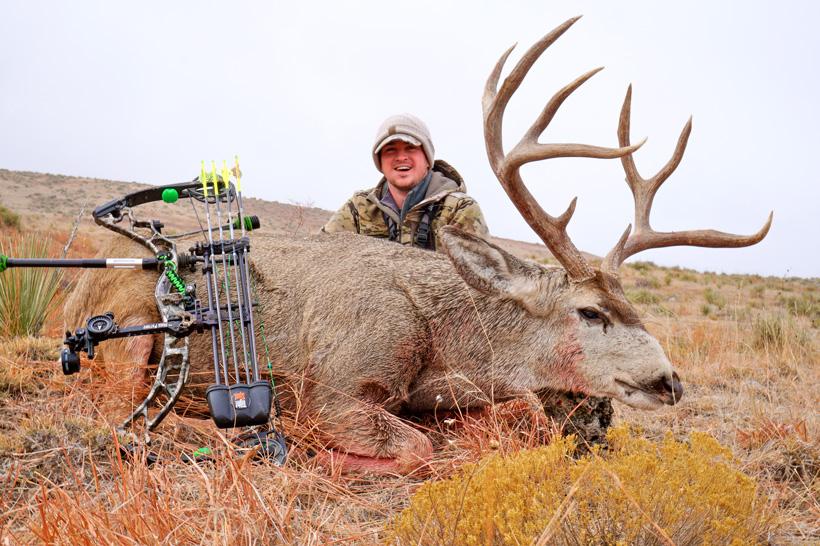 Stephen Spurlock archery mule deer buck