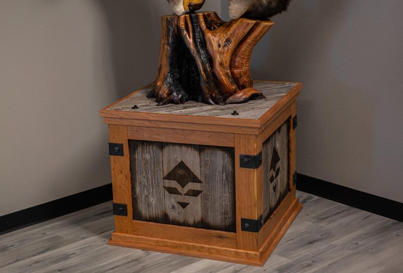 Tippetts Creative Design wood pedestal mount