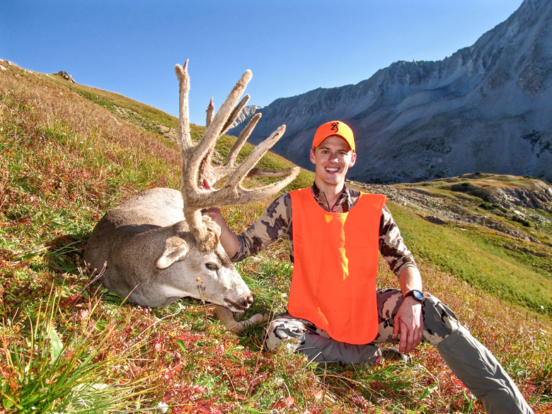 Tyler Preszler 2015 Colorado mule deer side view