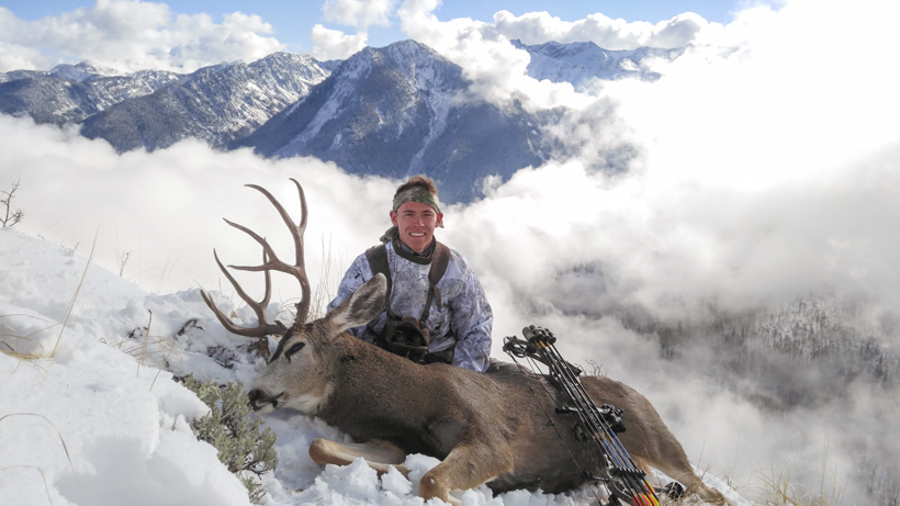 Zach Davis with his Utah extended archery mule deer buck