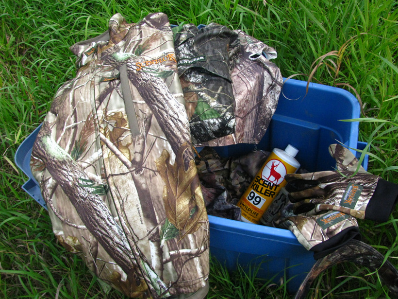 Keeping camo scent free