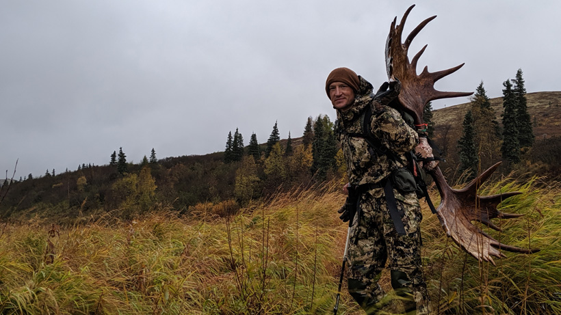 Trail Kreitzer with his 2019 Alaskan bull moose