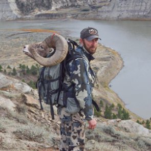 An unforgettable Montana breaks sheep hunt