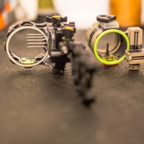 Single pin bow sights: Are they really better?
