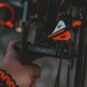 What are the main benefits of bowhunting?