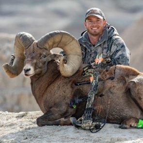 South Dakota hunter holds new Rocky Mountain bighorn sheep world record